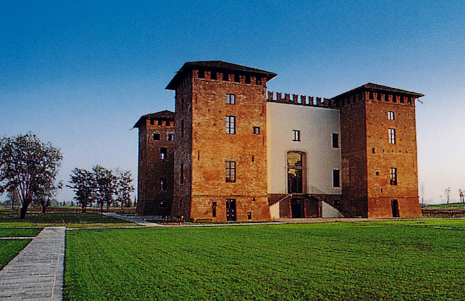Restoration of the urban complex Talcinasco castle and farmhouse